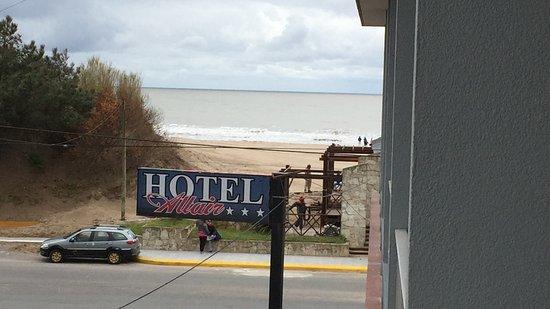 Hotel Altair: Vista del mar desde el balcon