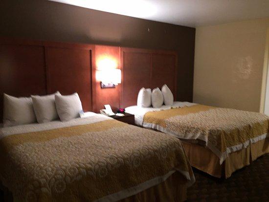Days Inn San Simeon : The room