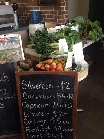 East Maitland, ออสเตรเลีย: Fresh Veg available.