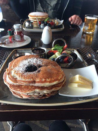 The Edgewater, A Noble House Hotel: Pancakes for breakfast