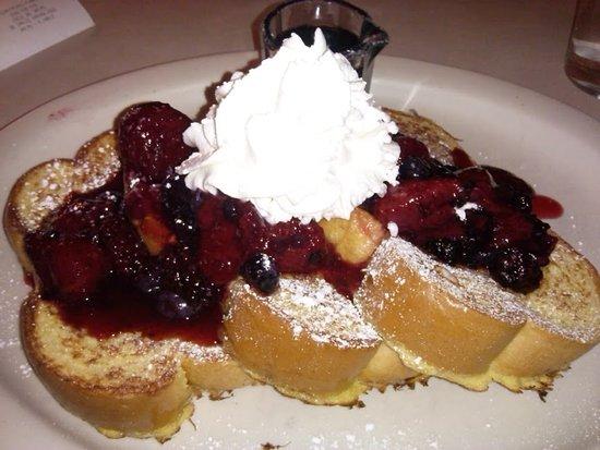Elmer's Restaurant - Salem: Yukon Breakfast came with ham & eggs