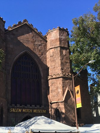 Salem Witch Museum: View from the outside