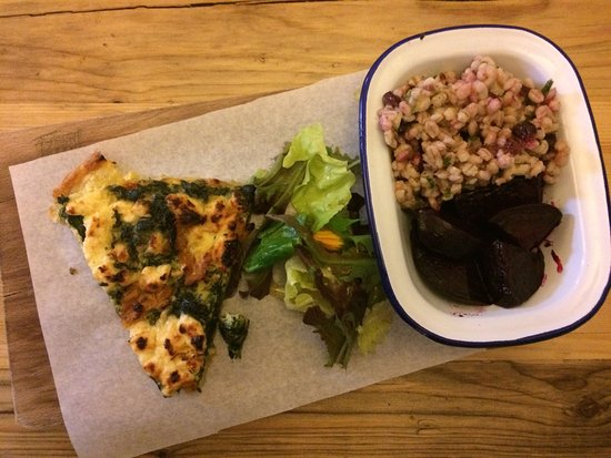 Nenagh, Ierland: The pearl barley salad is out of this world
