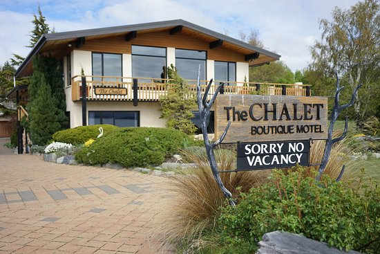 The Chalet Boutique Motel: The Chalet from the front