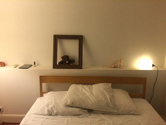 La Pinede Hotel : Bed in room