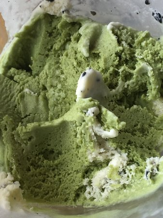 Opa Sushi: Green Tea ice cream