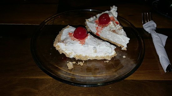 Orange Walk, Belice: TASTY DESSERTS! Apple cheese cake. Yummy!