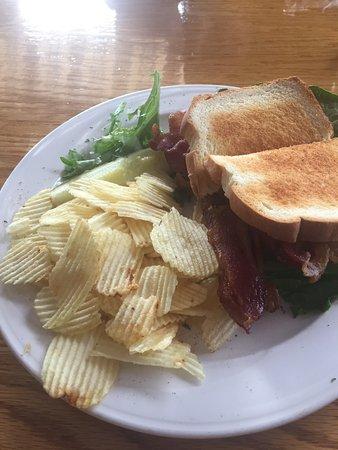Cafe Dry Dock & Inn: BLT