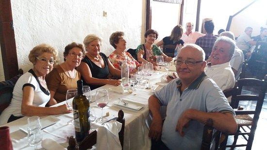 Canillas de Aceituno, Испания: un dia muy frustifero con el chibo