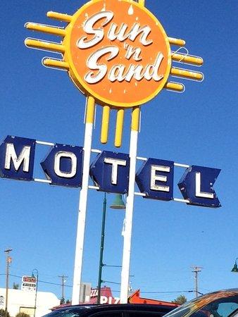 Santa Rosa, NM: Wonderful Neon Sign