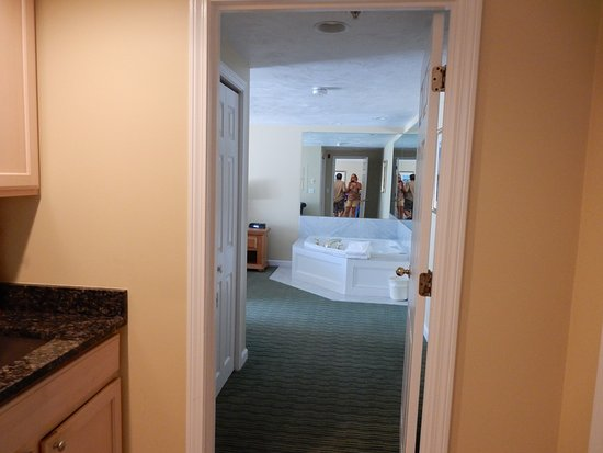 InnSeason Resorts Surfside: view of master bedroom from kitchen