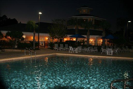 Caribe Cove Resort Orlando: Photos at night