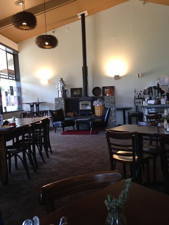 Beanie Cafe Wanaka: Interior decor