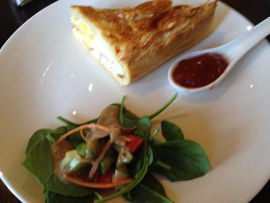 Beanie Cafe Wanaka: Bacon and egg pie