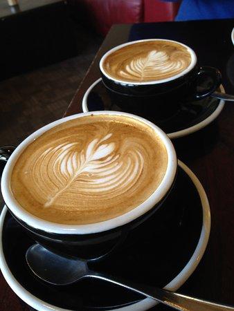 Beanie Cafe Wanaka: lattes