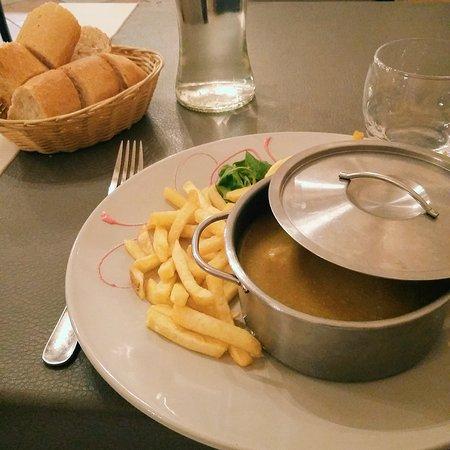 Hotel de la Gare : Filet de poulet au curry et frites