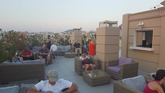 Plaka Hotel: 20160915_192133_large.jpg