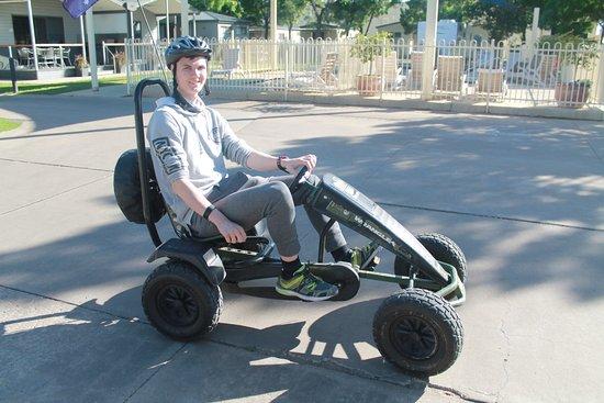 Mildura, Australien: Yep the go karts even suit the big kids