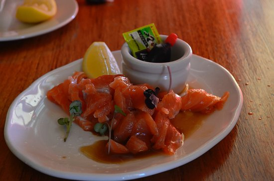 Omarama, Νέα Ζηλανδία: Sashimi Salmon, 30 mins after being caught