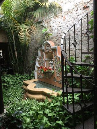 D'Leyenda Hotel: photo1.jpg