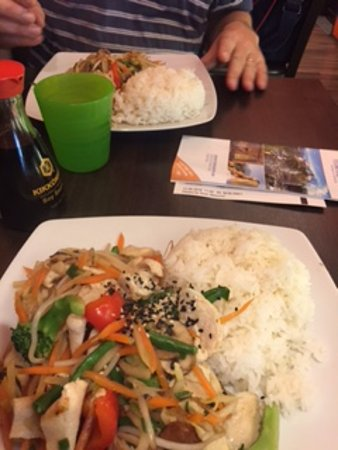 Pho 18: Sharing a meal with a friend - lovely