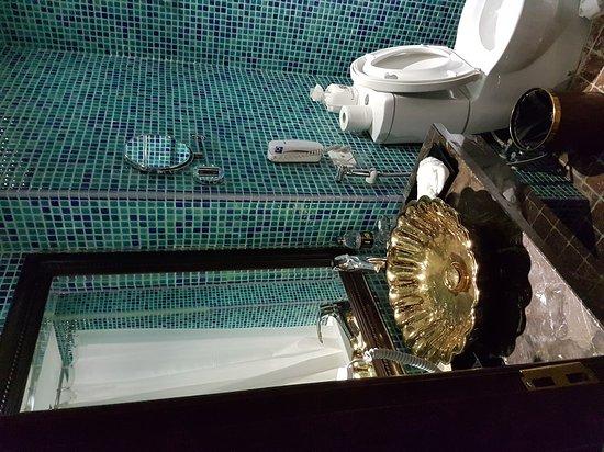 Golden Lotus Hotel: 20161023_124504_large.jpg