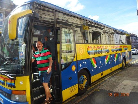 The Magical Mystery Tour Bus - Bild von Beatles Magical ...