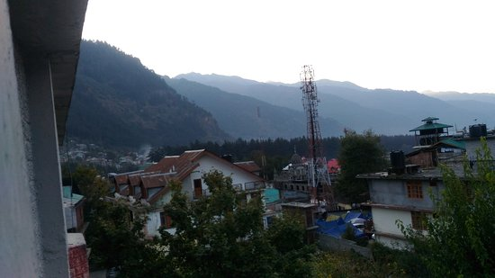 Hotel Royal Manali: View from the top room