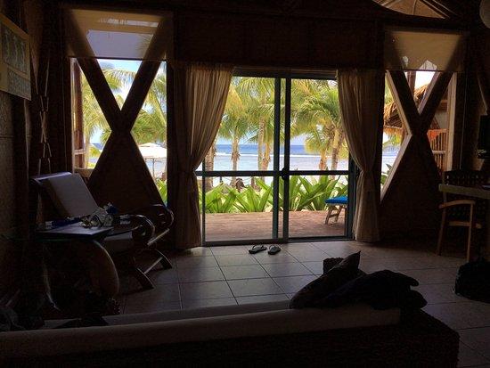 Arorangi, Wyspy Cooka: View from the bed.