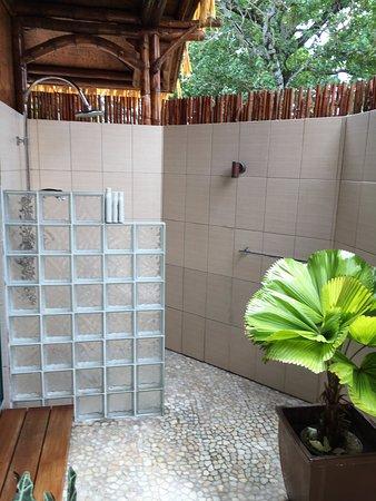 Arorangi, Wyspy Cooka: Outside shower