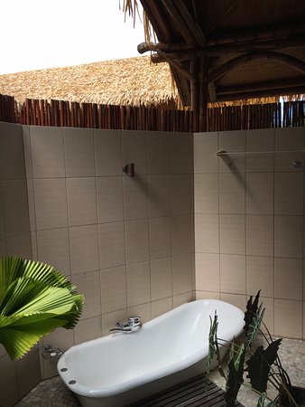 Arorangi, Wyspy Cooka: Outside bath