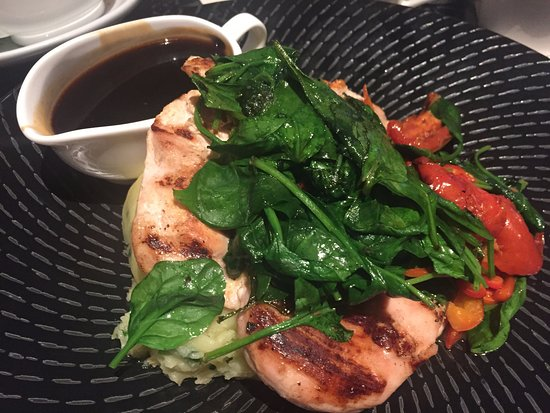 The Courtyard: Chicken breast with spinach