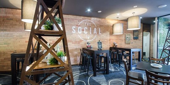 The Social bar @ The Croydon Hotel
