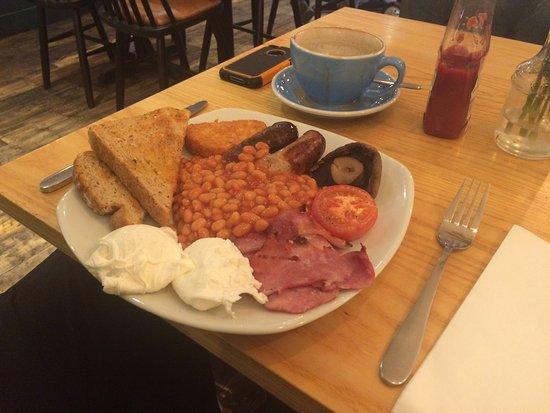Beeston, UK: Great breakfast and Atmosphere