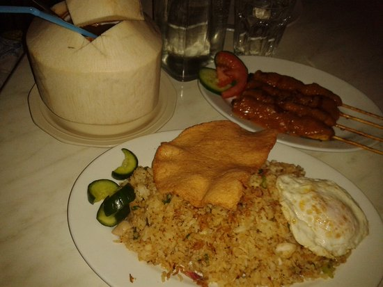 Java: Young coconut drink, Nasi Goreng, Satay Chicken