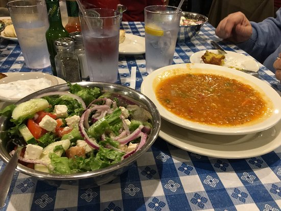 LaGrangeville, Estado de Nueva York: We visited with friends for dinner.  I was certainly impressed with the flavor and huge portions