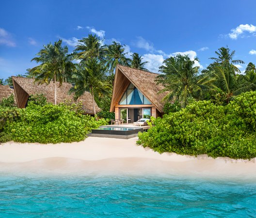 Maldives Beach: Beach Villa With Pool