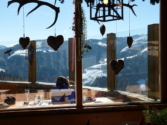 Brenneralm: Nice touches on the decor inside.......a super spot