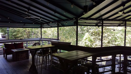 Wallingford, CT : Outdoor Dining Area