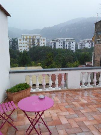 Sorrento Town Suites: parte de la terraza