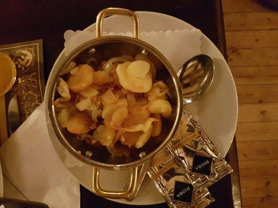 Broyhan Haus: Bratkartoffeln (beilage zur jungschweinhaxe)