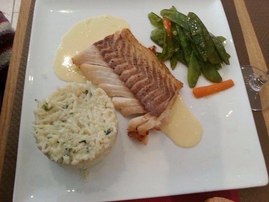 Vierzon, Frankrijk: filet de cabillaud sauce aux agrumes et riz parfumé