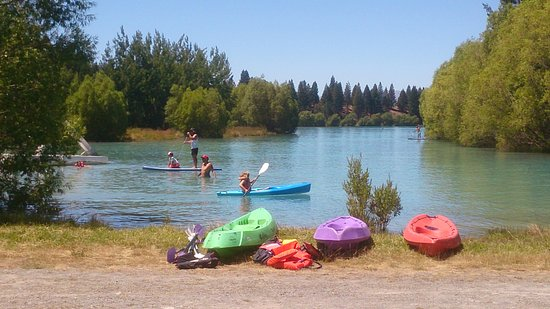 Twizel, Nueva Zelanda: Summer 2015 people enjoying Ruataniwha Rides ,hot day.