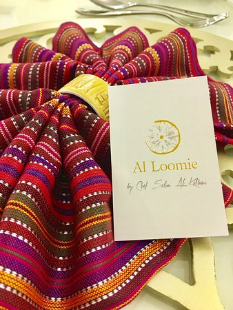 Handmade Items From Omani Handicrafts In Bahla Sur As Table