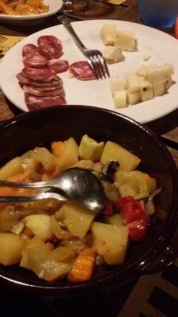 Santa Venerina, Italia: Various choice of antipasti. Sicilian cuisene.