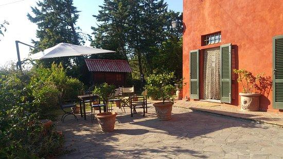Лари, Италия: House