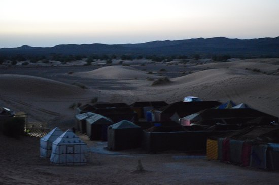 Palais des dunes: Vista de las haimas al amanecer