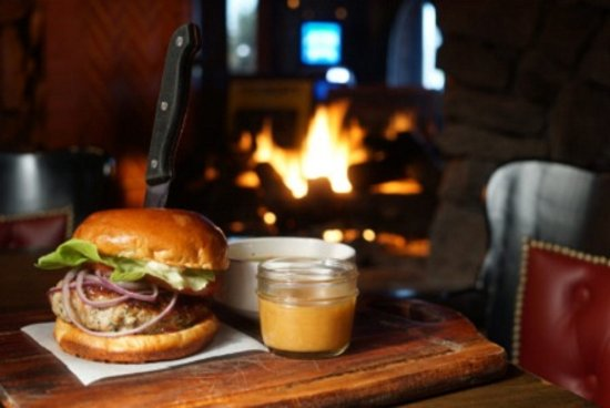 Surrey, Canadá: The Thanksgiving Inspired Feature Menu for October 3 – 9 at all JRG Public Houses!
