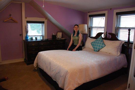 Stepping Stone Inn: The Salem Room
