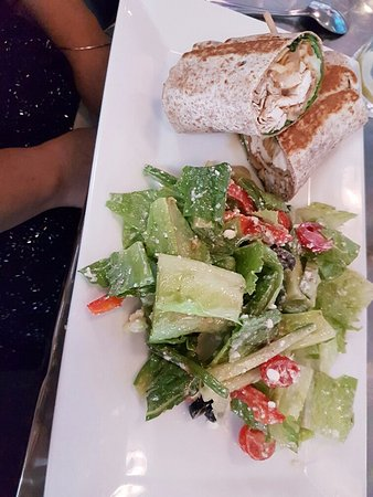 Vineland, Canadá: Chicken Apple Brie Wrap